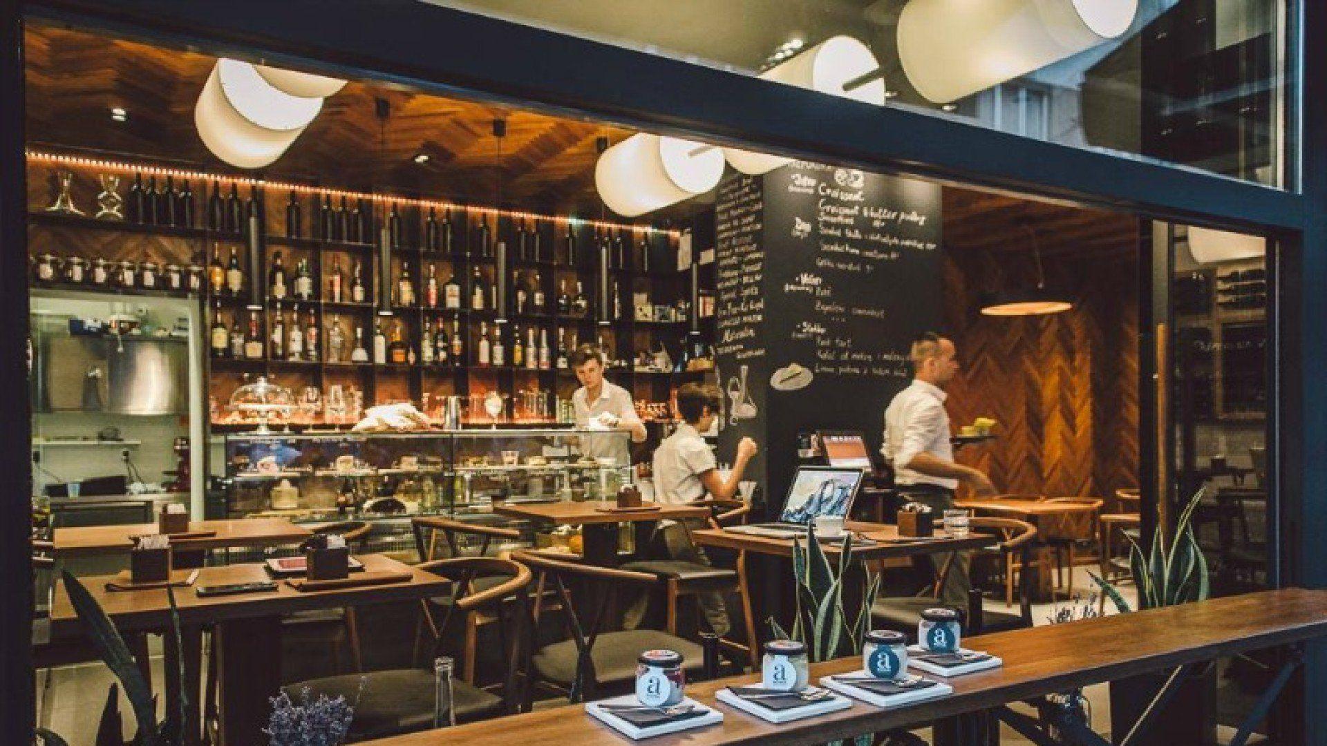 Caffe bar de man croatia zagreb casablanca restaurant for Food bar zagreb