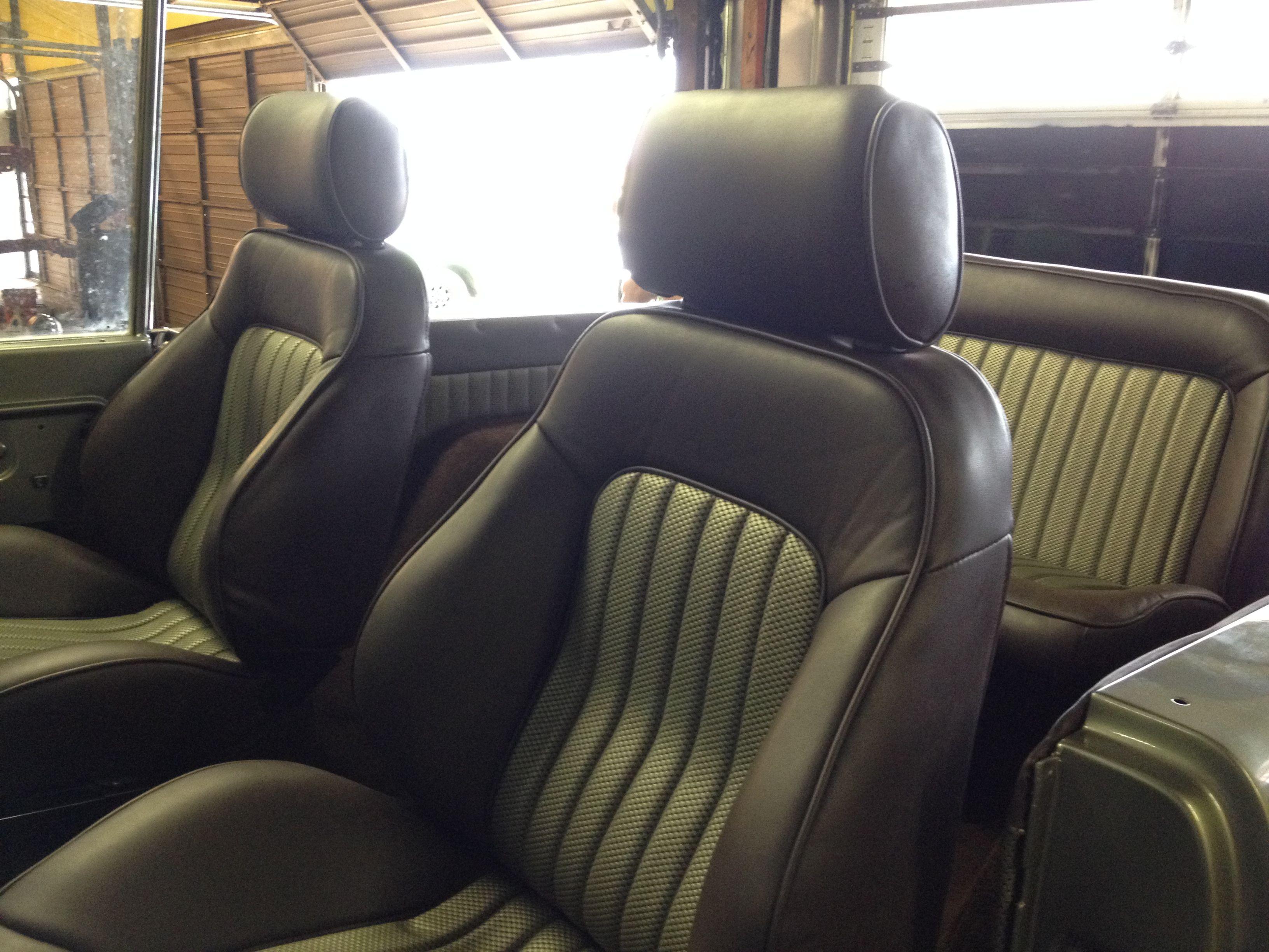 custom seats and interior for the bronco 1971 bronco. Black Bedroom Furniture Sets. Home Design Ideas