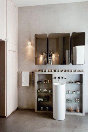 salle de bain grise et blanche sol murs et plafond en béton résine - plafond salle de bain