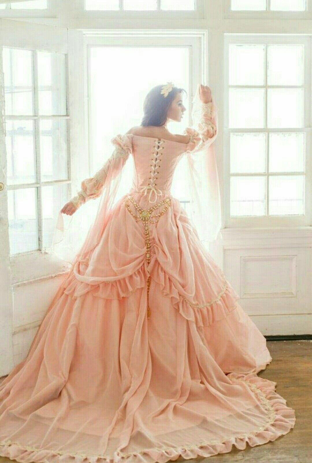 Princess dress  5a2cec1e9215