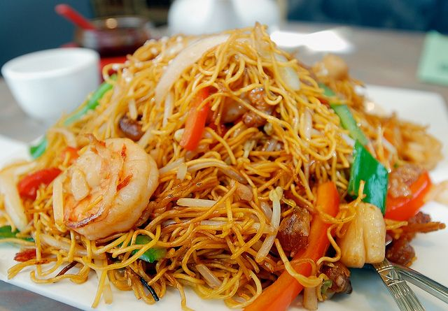 Congee Wong Hong Kong Style Spicy Seafood Chow Mein ...