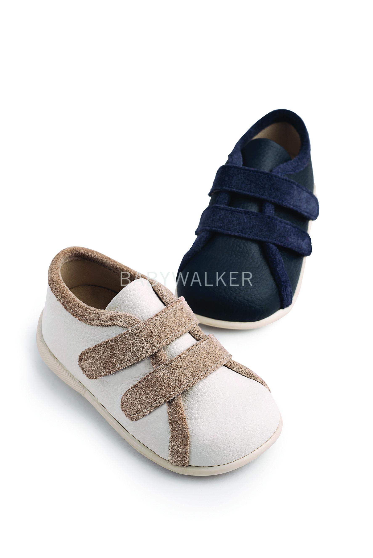 1a103426eee Βαπτιστικό παπούτσι Babywalker για αγόρι από δέρμα και κρούτα σε μπλε και  εκρού-μπεζ.