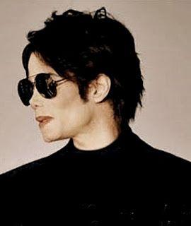 I Am Dangerously Close To Getting This Haircut Dangerously Close Michael Jackson Michael Jackson Rare Michael Jackson Pics