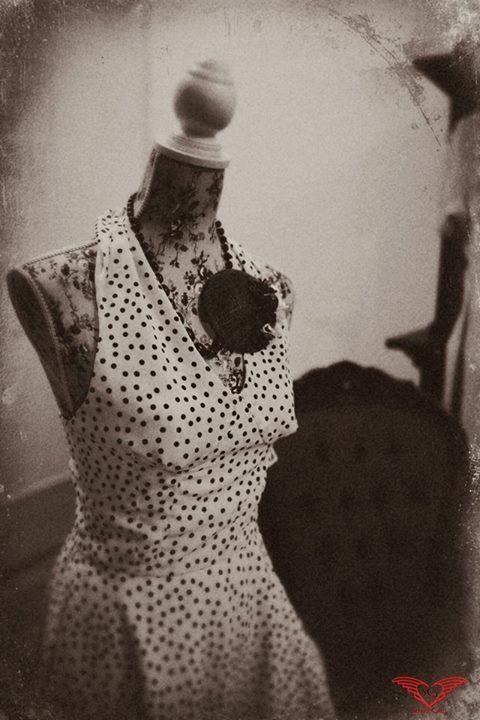 abito in stile anni 50 https://www.facebook.com/moniasartoria