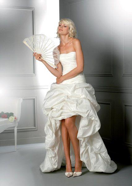 Robes de mariees courtes devant et longues derriere