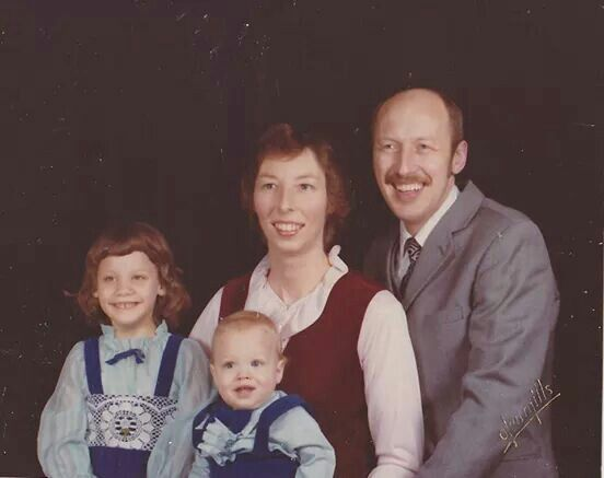 Pol family portrait | Incredible Dr Pol | Animals, Animal tv