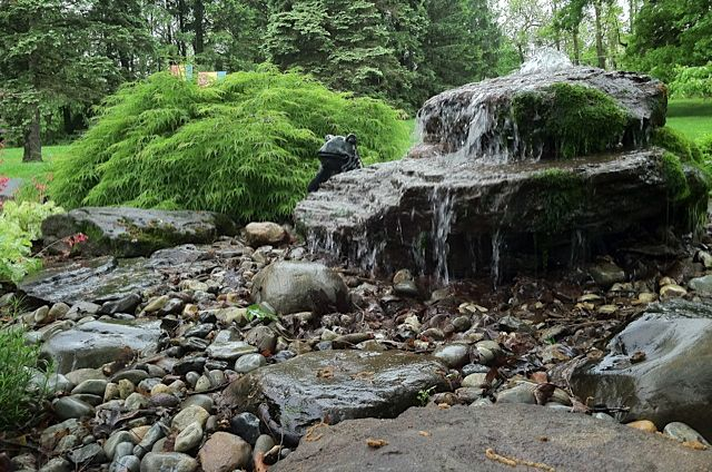 Cascada fuente de agua jardiner a casa pinterest for Cascadas y fuentes de agua para jardin