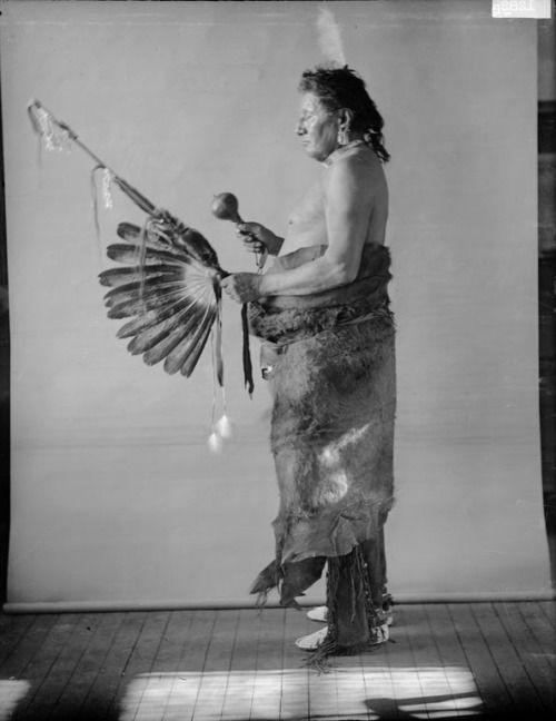 Tahirussawichi or Sitting Bull - Pawnee