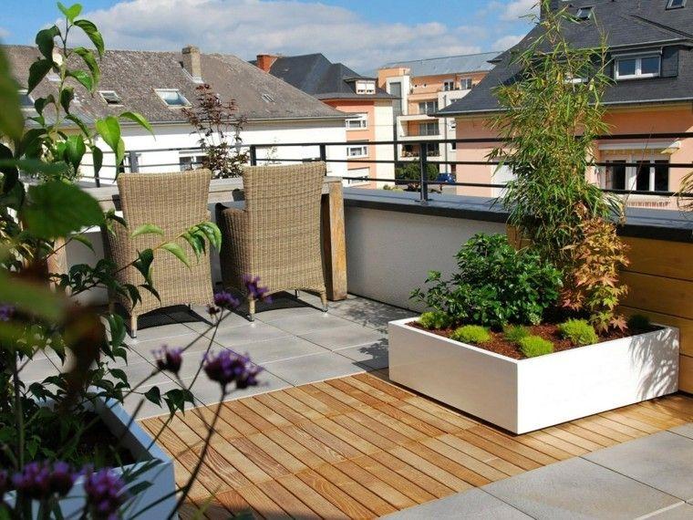 Macetas jardineras y plantas preciosas en el jardín Verandas - jardineras modernas