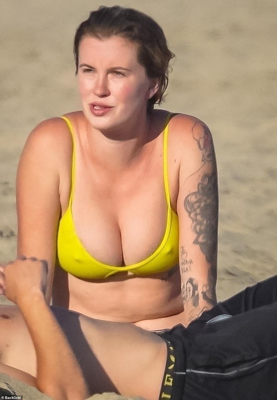 Ireland Baldwin Bikini Body: On Display in First Photo
