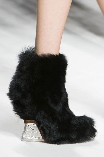 d970e455be1d Tendances chaussures défilés automne-hiver 2015-2016 - L Express Styles -  Fendi