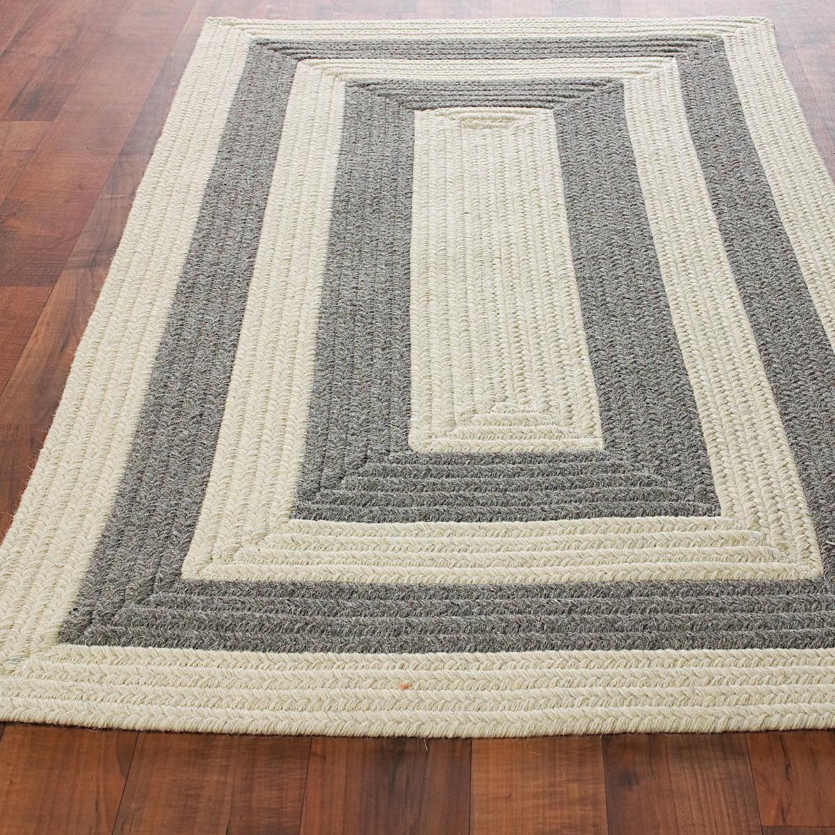 Braided Rug For Living Room: Eco-Friendly Concentric Stripe Braided Rug