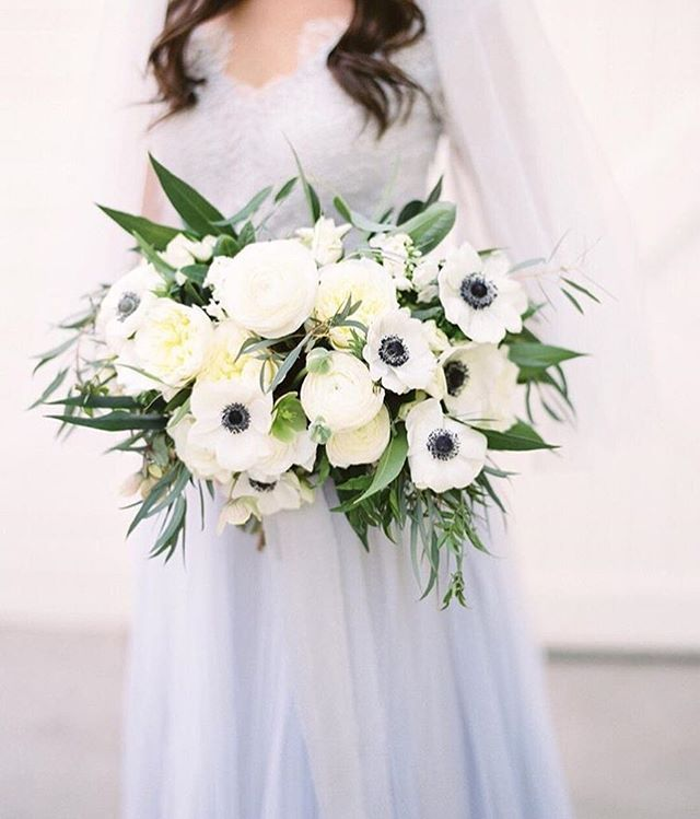Major trend alert! Muted blue and gray tones are in😍💕 Captured by @mallorydawnphoto  Florals by @honeycombaffair  Gown by @theivorysilk  Featured on @stylemepretty #weddingplanning #weddinginspiration #weddinginspo