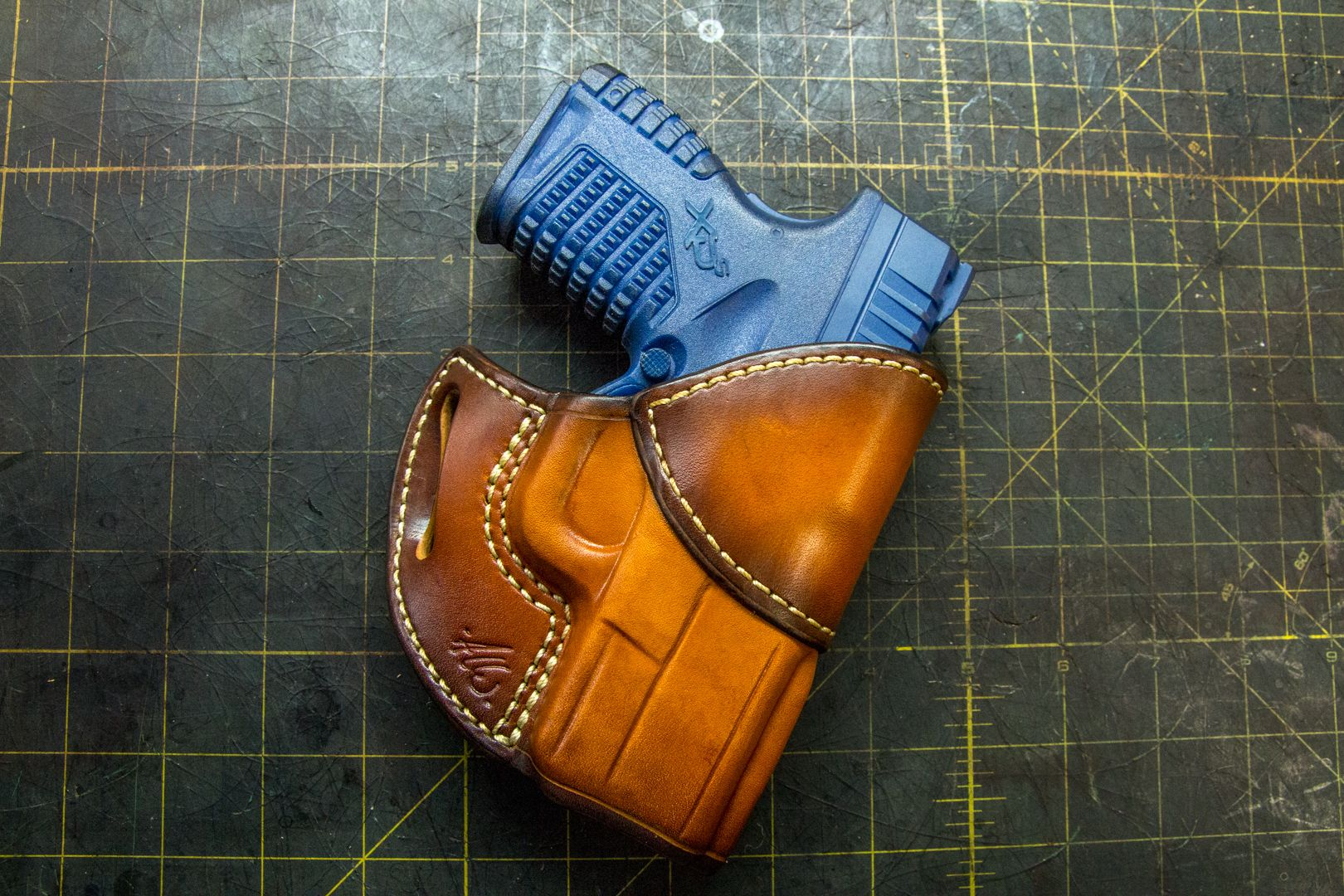 Leather Holster Pattern - Avenger style - for the Springfield XD-S