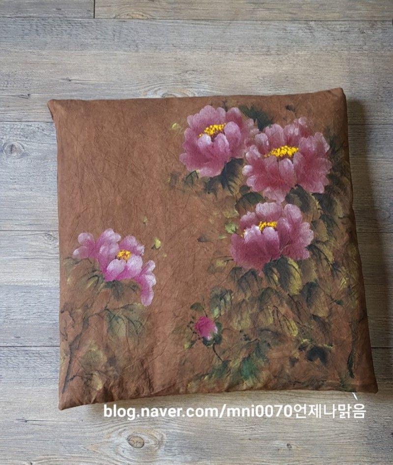 따뜻한 차한잔할까요 어찌하다보니 분홍분홍하네요 광목그림 천아트 목단 방석 감염색원단 대연동 꽃그림 꽃 천