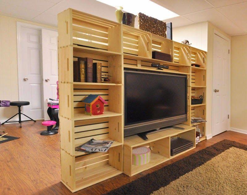 Muebles de palets mueble para la tv hecho con cajas de for Muebles para tv con tarimas