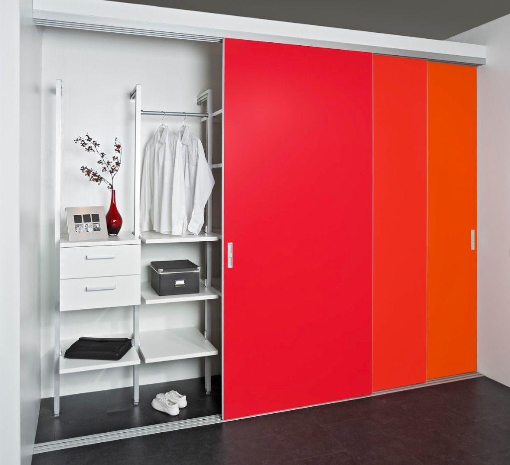 gerade als garderobe im eingangsbereich bietet das schiebet r system fino die perfekte. Black Bedroom Furniture Sets. Home Design Ideas