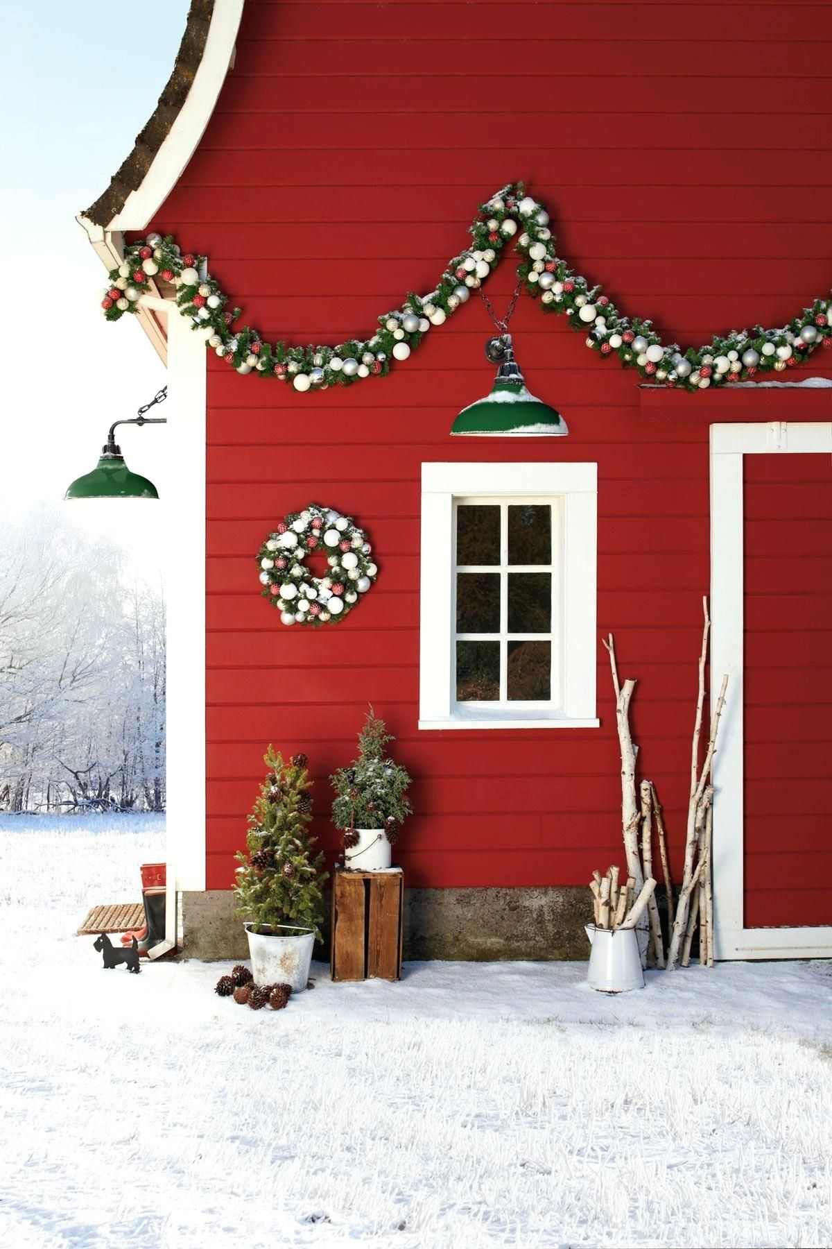 Astonishing Holiday Decorating Ideas For Window Boxes Outdoor Holiday Decor Outdoor Christmas Outdoor Christmas Decorations