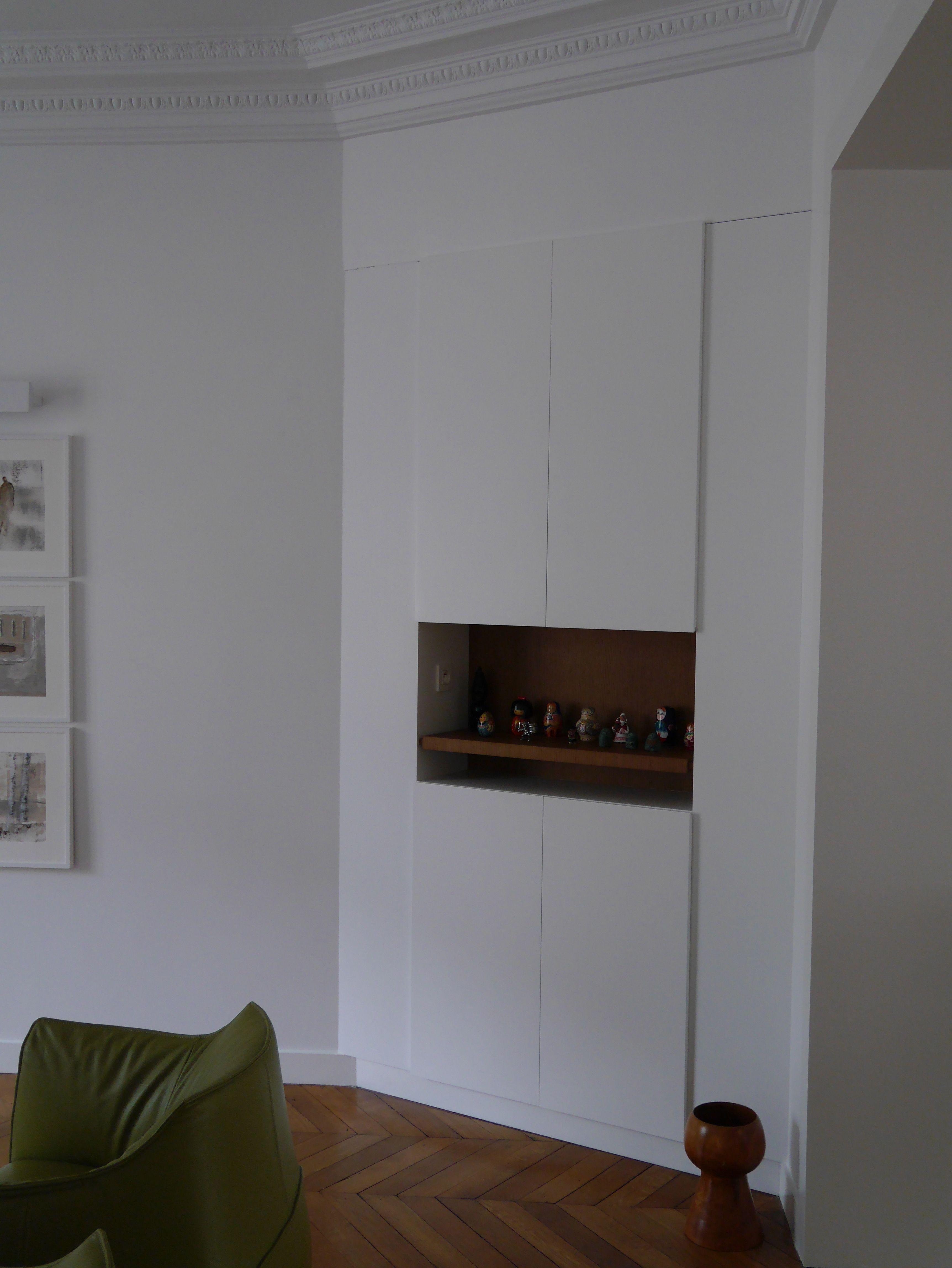 Meuble D Angle Encastr Dans Un Mur Avec Niche D Coratif Meubles  # Meuble Ancien Angle Vitre