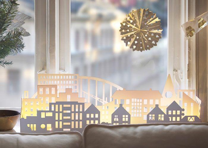str la led dekobeleuchtung stadt in wei vor einem fenster platziert weihnachten i. Black Bedroom Furniture Sets. Home Design Ideas