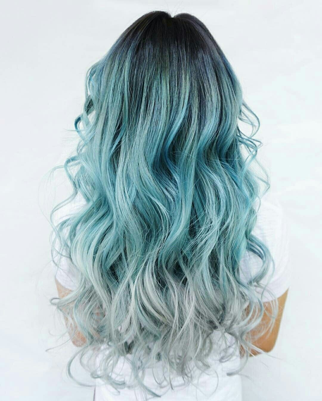 Black roots // blue ombr // silver tips // blue hair inspo // hair color