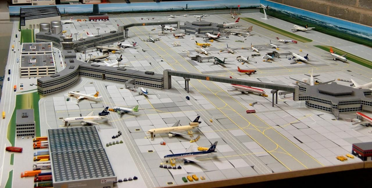 1 400 Airport Diorama Google Search Model Airplanes Diecast Airplanes Model Aircraft