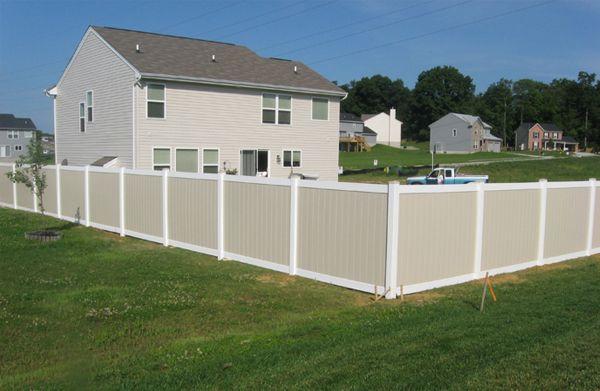 6 Two Tone Vinyl Privacy Fence Fence Ideas Pinterest