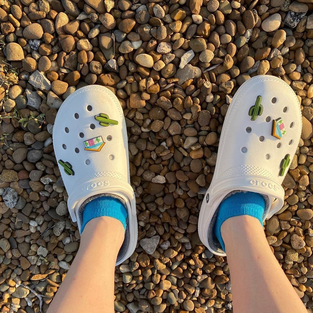 Pin on HOW TO STYLE: crocs!