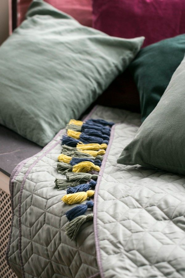 DIY Tassel Bedspread - monsterscircus