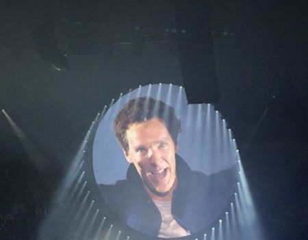 Benedict Cumberbatch Sang On Stage With David Gilmour In Concert
