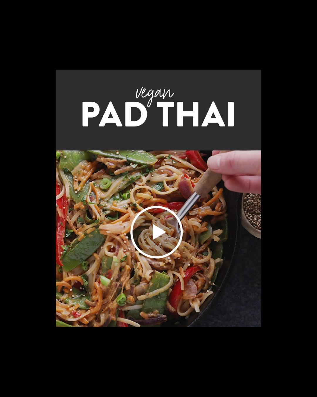 This Vegan Pad Thai with Thai Peanut Sauce packs a punch with colorful veggies i... -  This Vegan P