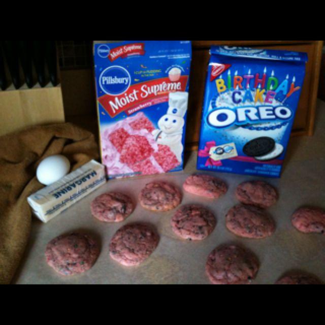 Strawberry cake mix cookies!!