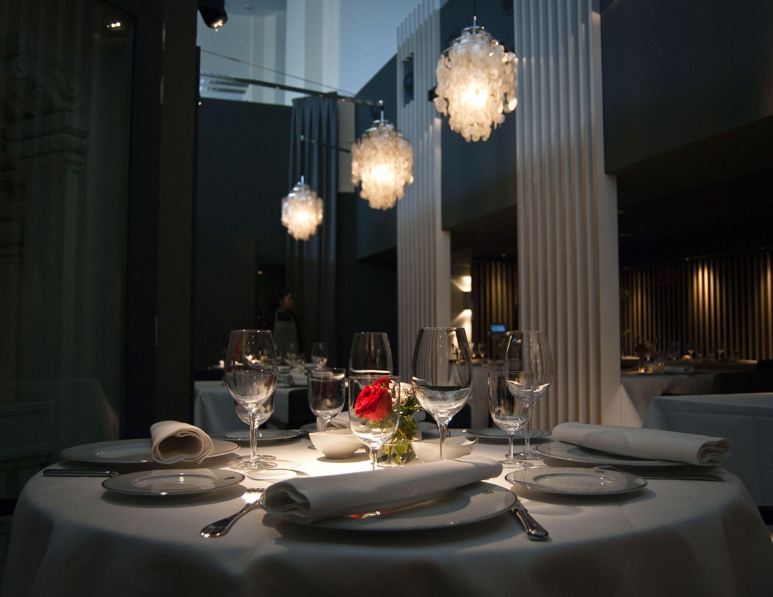 Restaurante Palacio De Cibeles Table Settings Restaurant Table