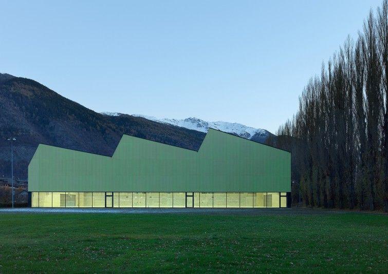 Salle de sport triple meyer architecture sion archi
