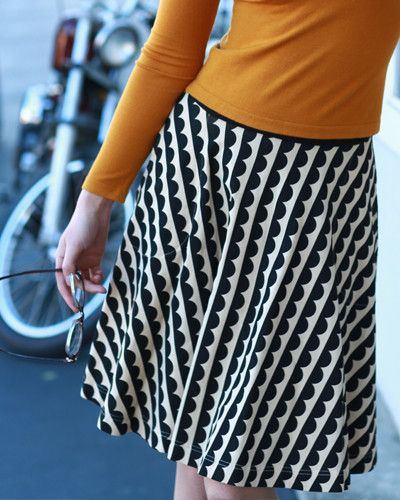 The Carnaby Skirt- Scallop Print