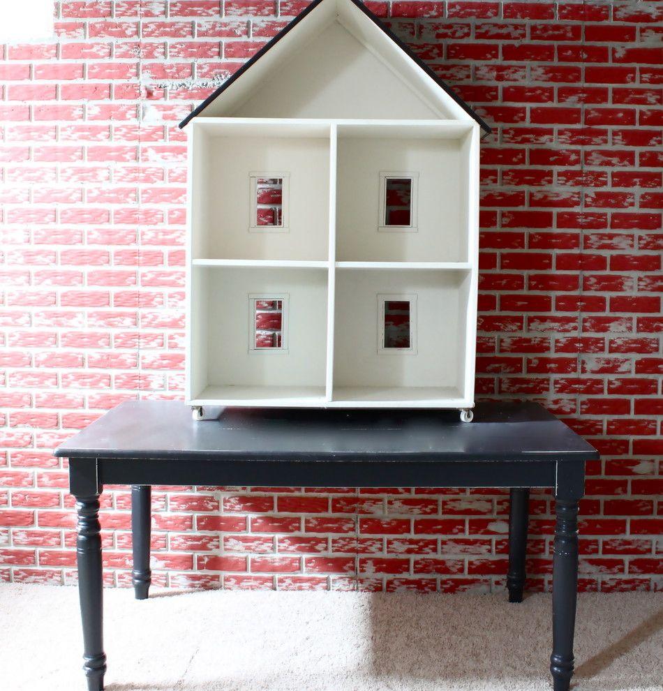 Домик в качестве стеллажа для хранения документов в домашнем офисе