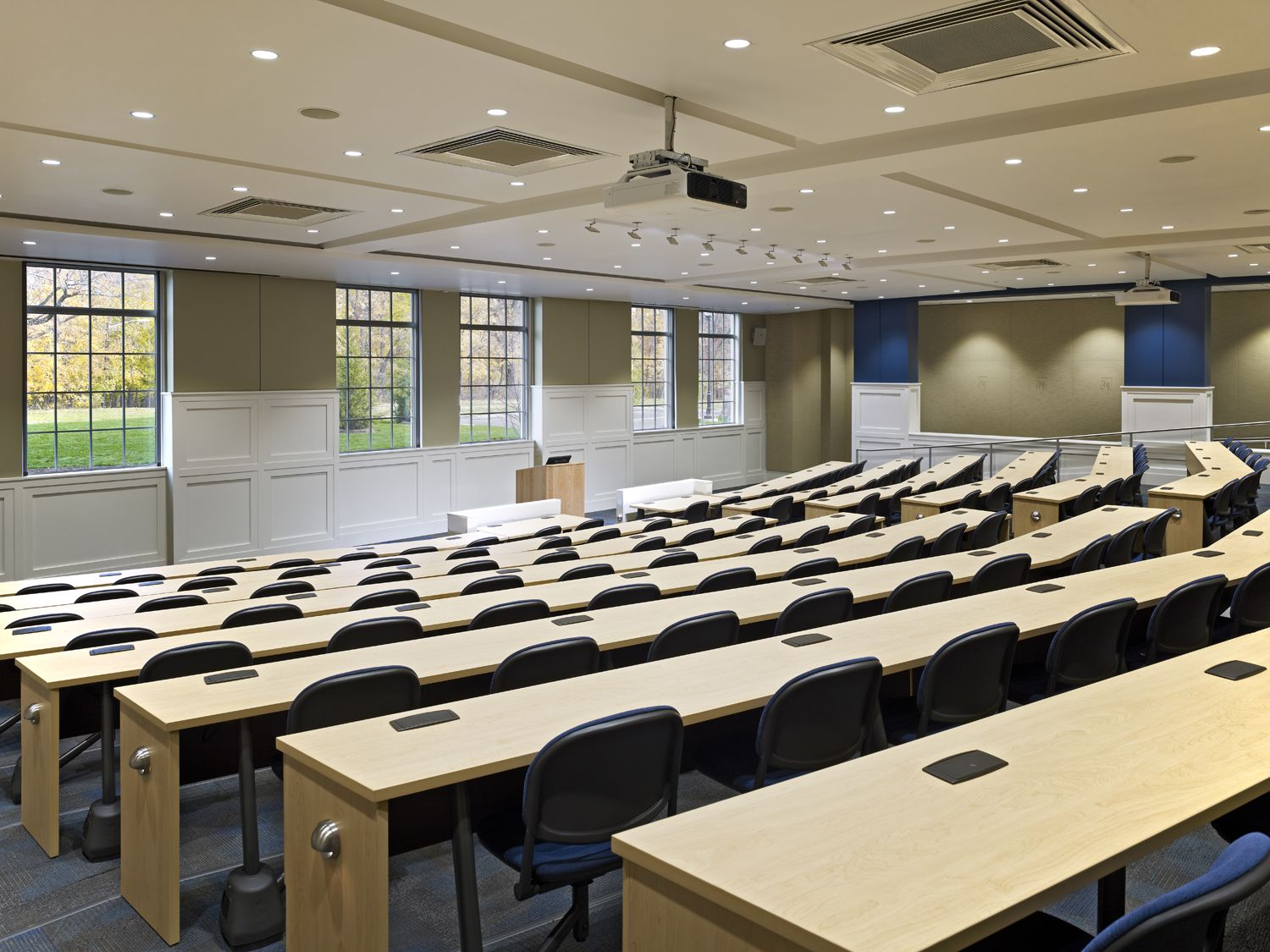 The College Of New Jersey School Of Business Lecture Hall Classroom Conference Architecture In Interior Design Colleges Classroom Interior School Interior