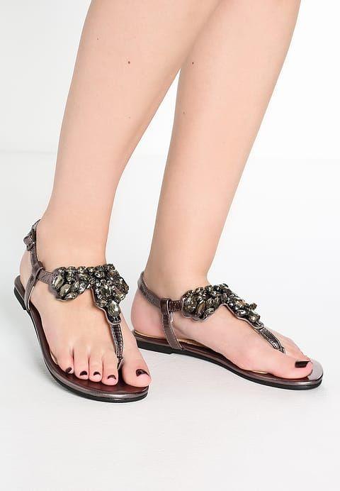 Buffalo T-bar sandals - metallic pewter L2bNms2w