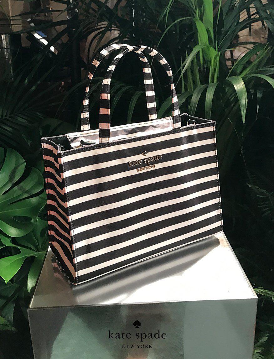 kate spade new york spring 2018  nyfw Striped Bags 7a0e92f898aa0