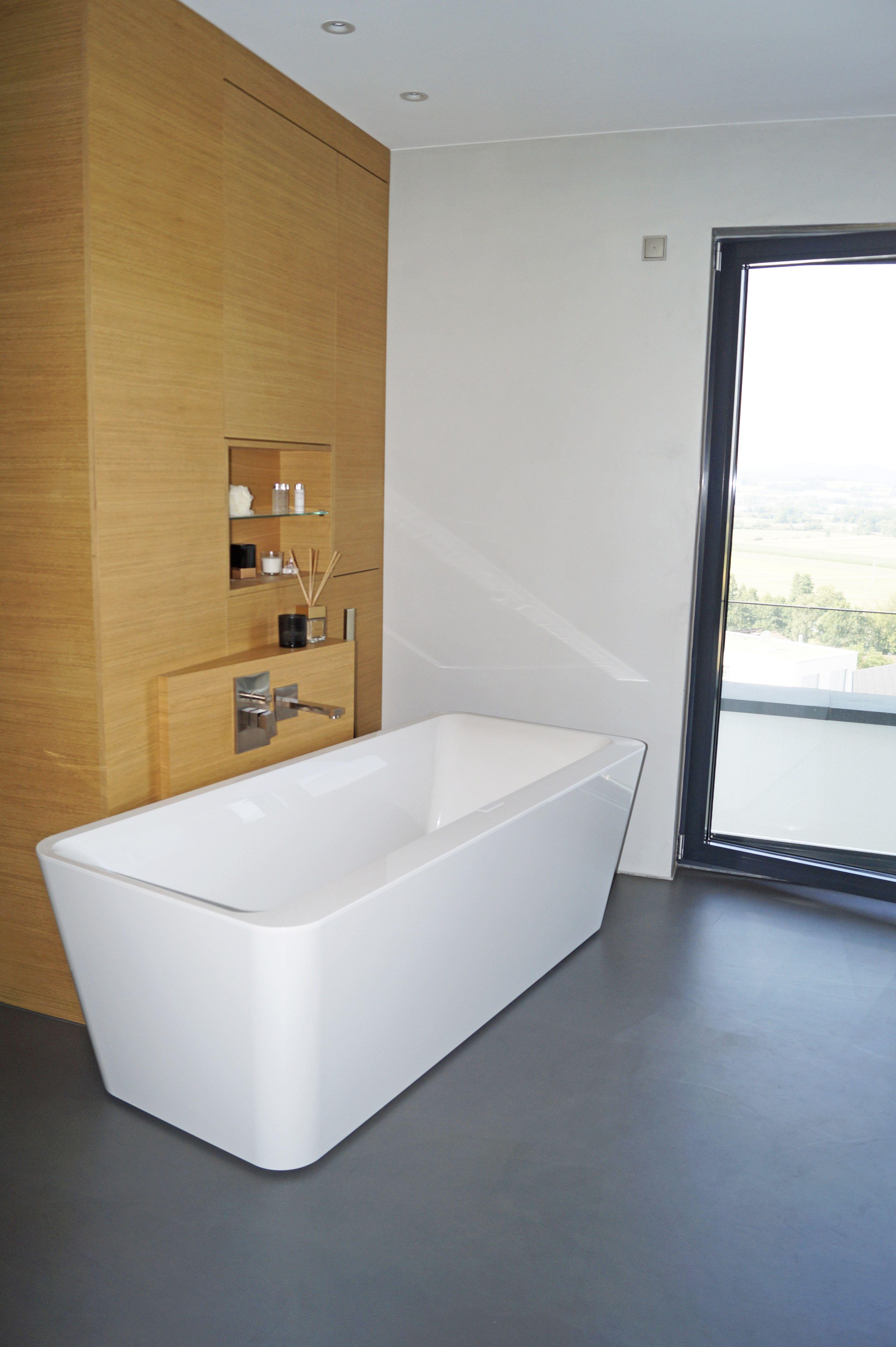 Freistehende Badewanne Auf Fugenlosen Zementboden Freistehende Badewanne Badewanne Bad
