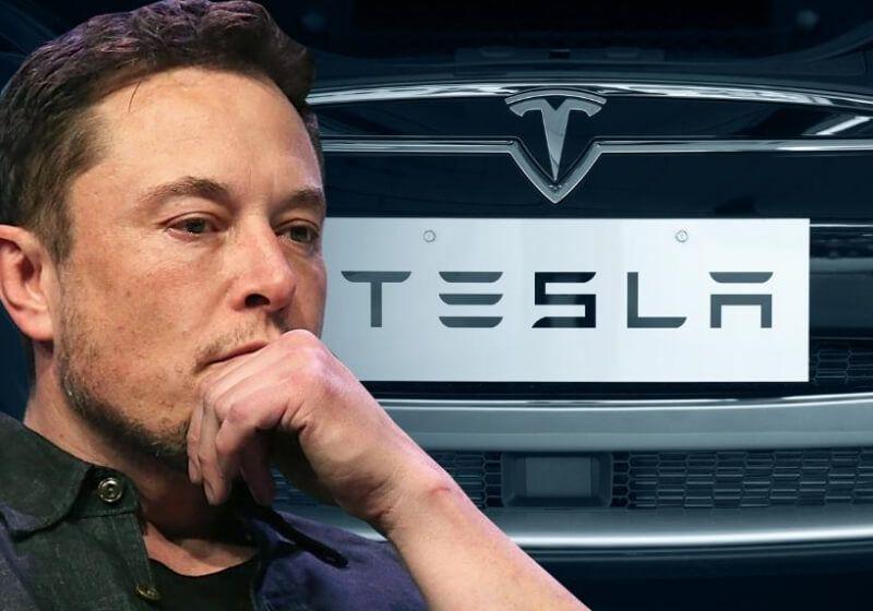 Elon Musk reveals an electric plane design on Joe Rogan's