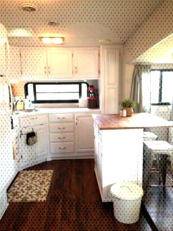 Stunning Renovations Ideas For RV Happy Camper 31Stunning Renovations Ideas For RV Happy Camper 31S