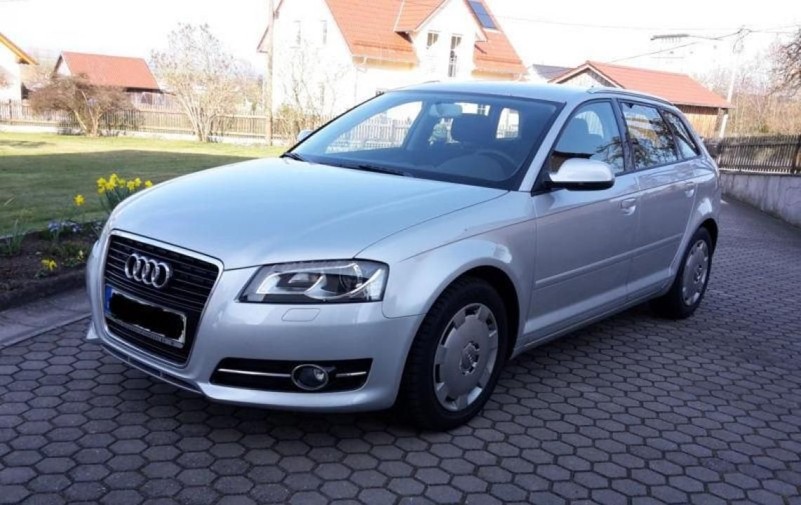 Audi A3 2.0 TDI Sportback Ambition Mașini și Bluetooth