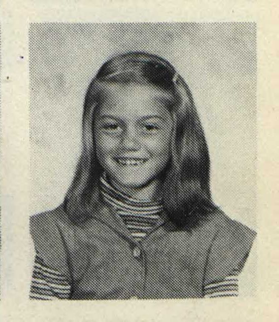 90bad0439 Even at a young age, Gwen had style. | Gwen Stefani in 2019 | Gwen ...