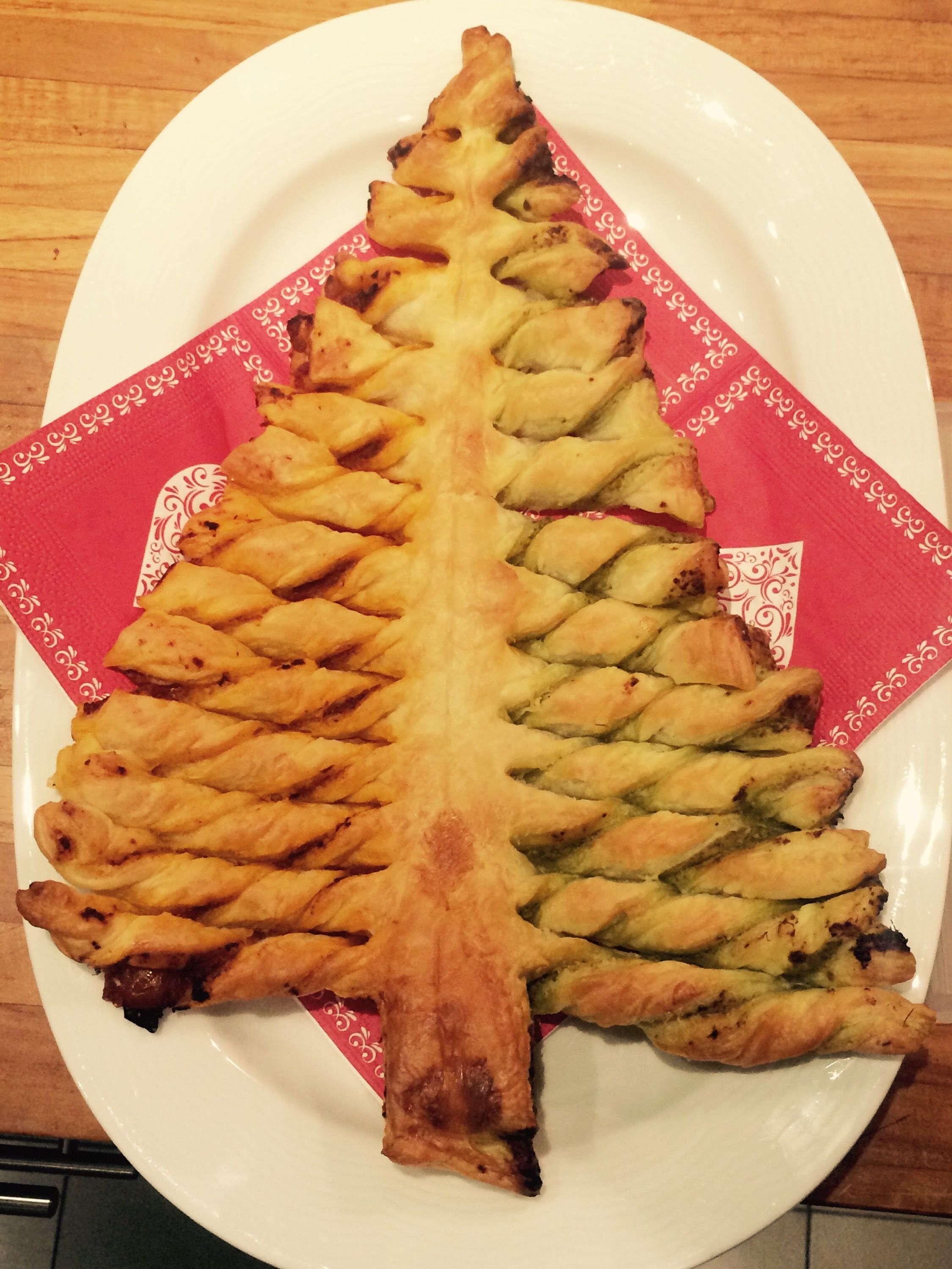 Pesto puff pastry christmas tree celebrating christmas pesto puff pastry christmas tree forumfinder Images