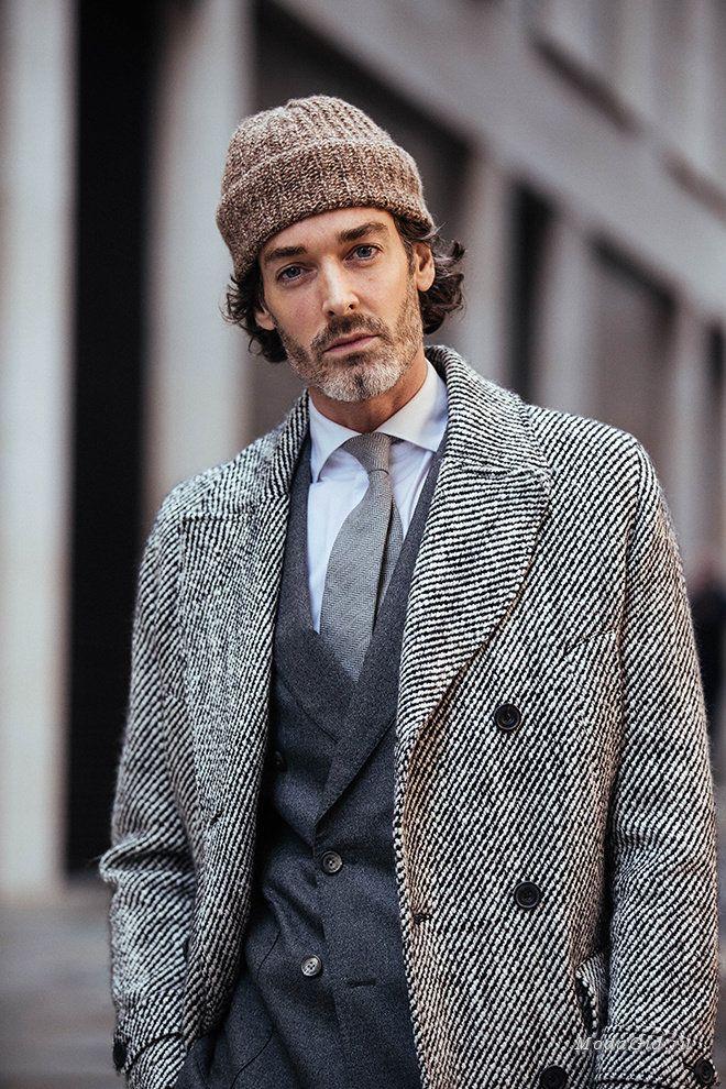 46c8b75d497 Концептуальный и полный противоречий уличный стиль Лондона во время недели  мужской моды сезона осень-зима 2017-2018.