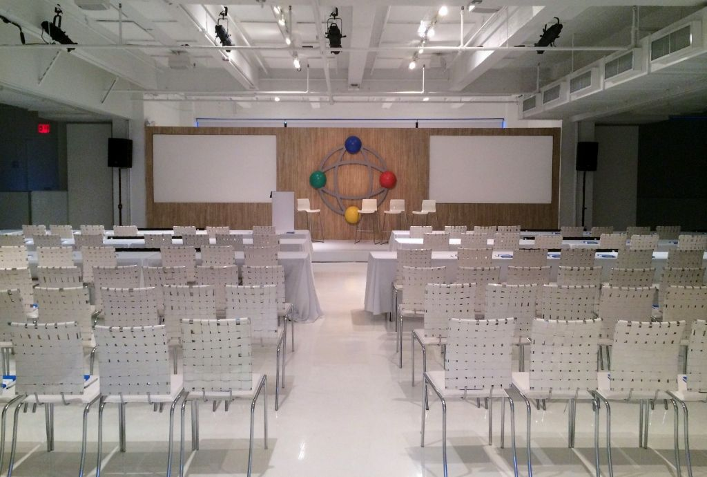 Theater Style Seating At A Conference Presentation Conference Presentation Seating Nyc Event Eventspace Aesnyc Theatre Style Seating Event Space Design