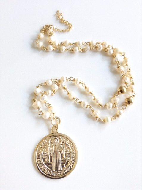 84a1838ba155 Delicado collar Rosario de perlas cultivadas de 5mm