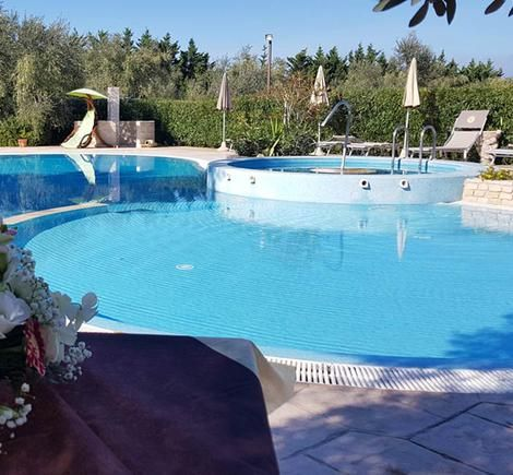 Family residences in Vieste with swimming pool, WiFi and