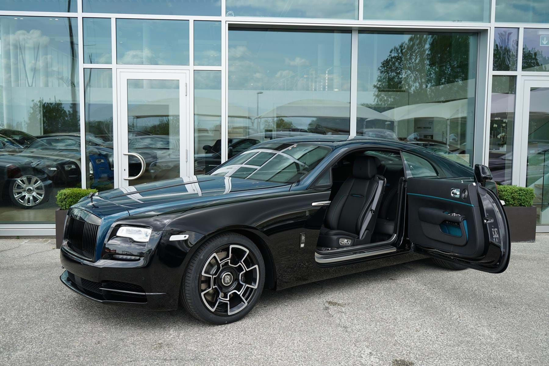 Rolls Royce Wraith Black Badge Adamas Collection One Of Fourty Pegasus Automotive Switzerland F In 2020 Rolls Royce Wraith Rolls Royce Wraith Black Rolls Royce